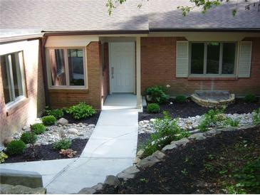 Photo one of 5205 Windridge Dr # 155 Indianapolis IN 46226 | MLS 21490095