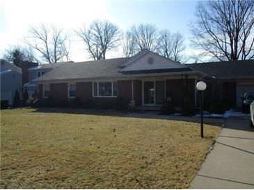 Photo one of 3304 Woodland Pkwy Columbus IN 47203 | MLS 21545870