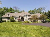 View 8072 Hollybrook Ct Indianapolis IN
