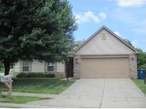 View 6910 Thousand Oaks Dr Indianapolis IN