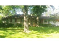View 1321 Greenbriar Dr Anderson IN