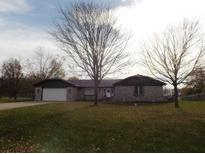 View 1265 Fox Trail Dr New Palestine IN