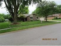 View 1729 Sycamore Dr Plainfield IN