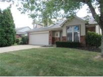 View 8537 Rock Hollow Cir Indianapolis IN