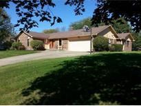 View 1325 Sherwood Dr Greenfield IN
