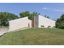 View 8550 Thornhill Dr Indianapolis IN