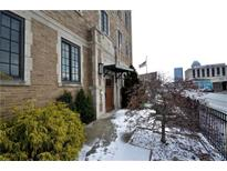 View 825 N Delaware St # 5B Indianapolis IN