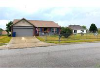 View 2505 Pinebark Dr Indianapolis IN